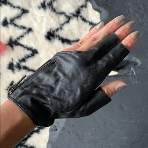 Unique Black leather biker fingerless gloves